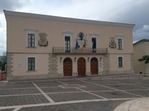 La-facciata-del-Comune-di-Morra-De-Sanctid